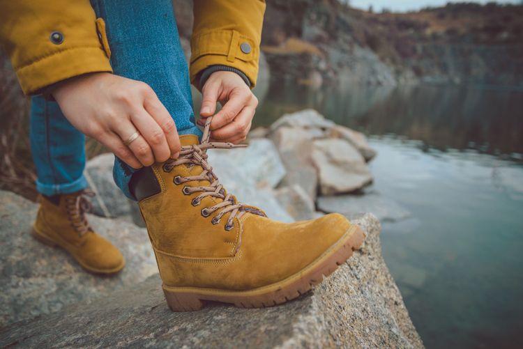 Hnědá dámská turistická obuv
