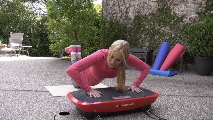 Cvičení na vibrační plošině– kliky