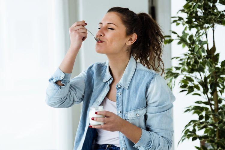 Domácí jogurt vyrobený v jogurtovači
