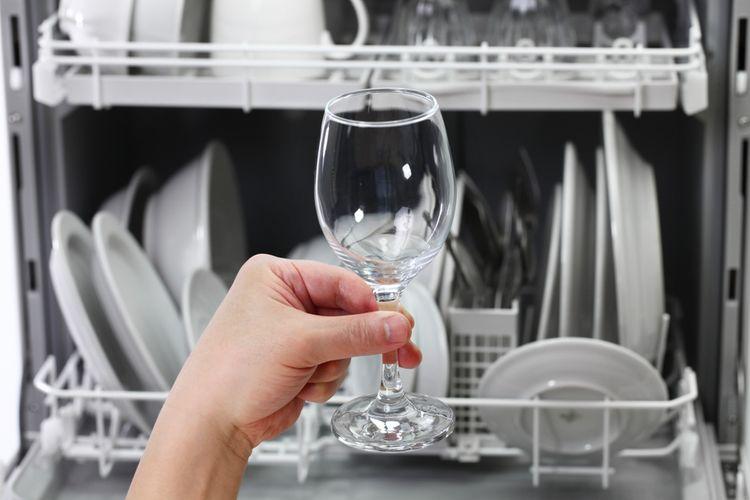 Křehké sklenice na stopce nejsou do myčky vhodné