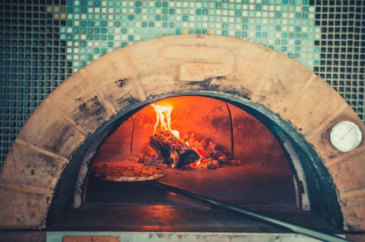 Zděná pec na pizzu