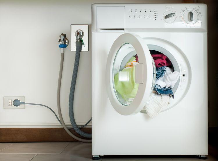 Mezi nejčastější poruchy praček se řadí také nenapúšťanie vody