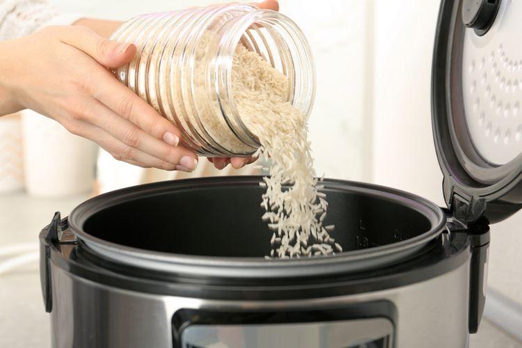 Příprava rýže v rýžovaru