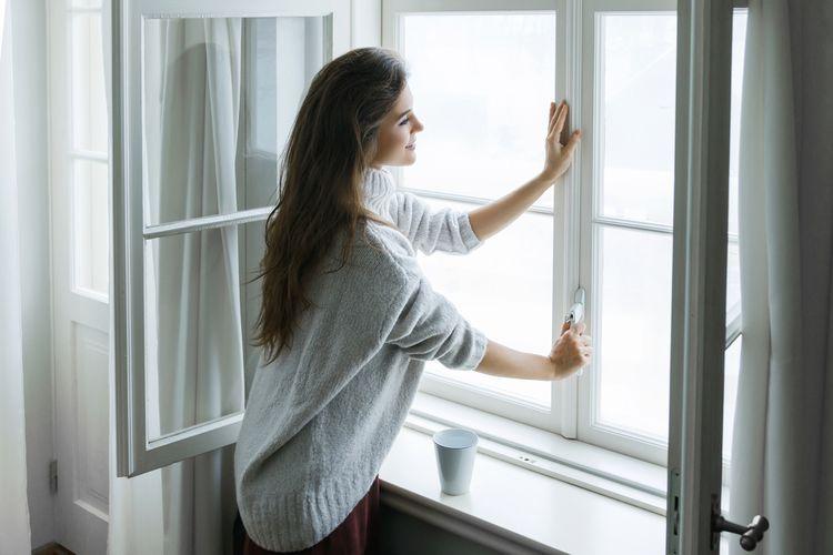 Větrání místnosti kvůli výměně vzduchu
