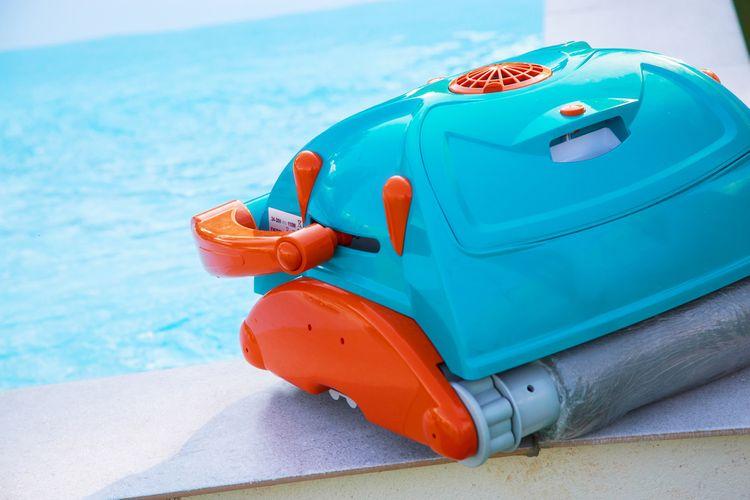Automatický/robotický bazénový vysavač