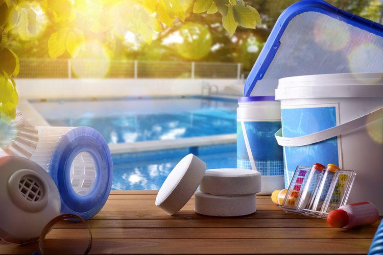Mléčná, tvrdá nebo zelená voda v bazénu? Péči o bazén nezanedbávejte