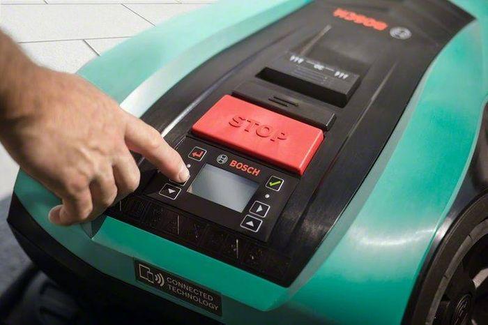Ovládání robotické sekačky Bosch Indego 350