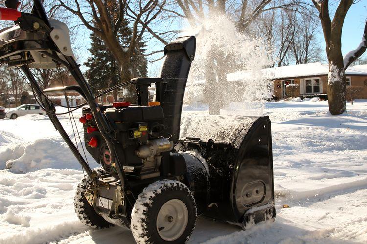 Jak správně používat sněhovou frézu?
