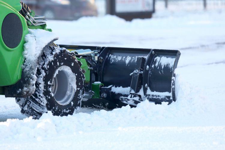 Sněhová fréza s kolečky