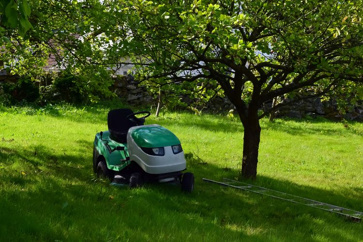 Malý zahradní traktor