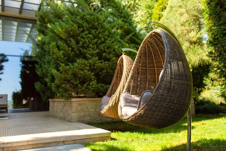 Ratanové závěsné křeslo do zahrady