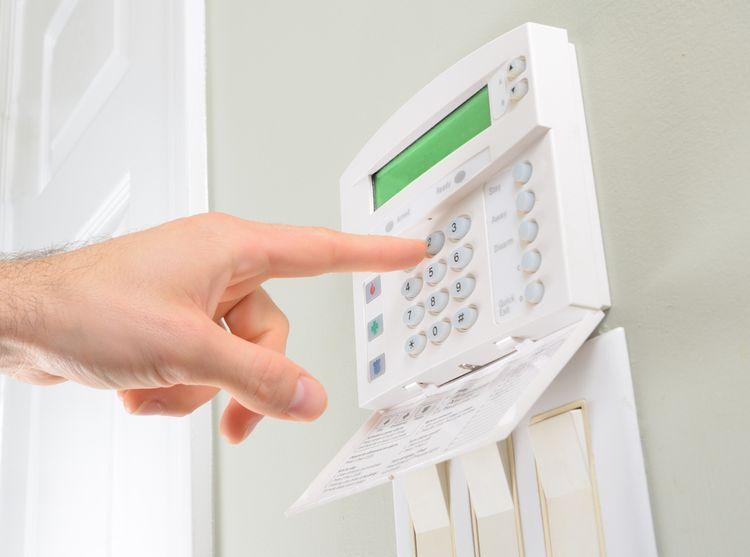 Centrální jednotka domovního alarmu