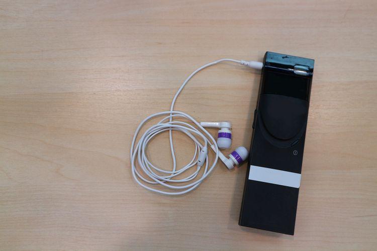Hlasový překladač se sluchátky