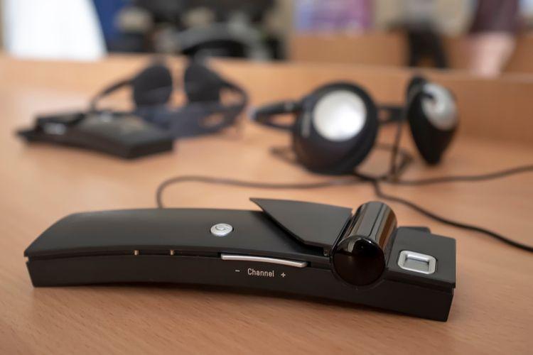 Hlasový překladač do ucha