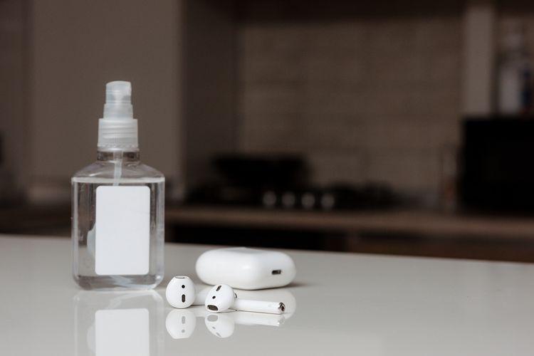 Jak čistit sluchátka do uší