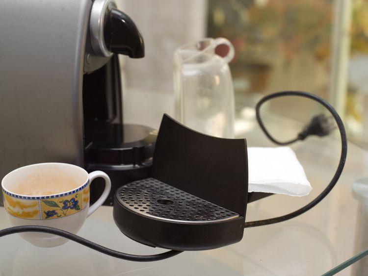 Čištění kávovaru na kapsle od vodního kamene