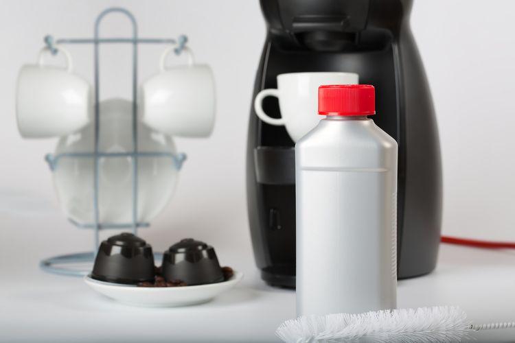Tekutý přípravek na odvápnění kávovaru