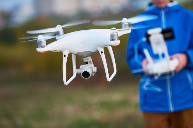 Ovládaní dronu s kamerou
