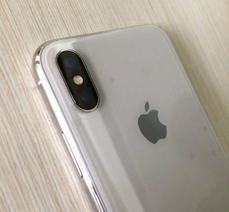 iPhone XS Recenze telefonu pro náročné