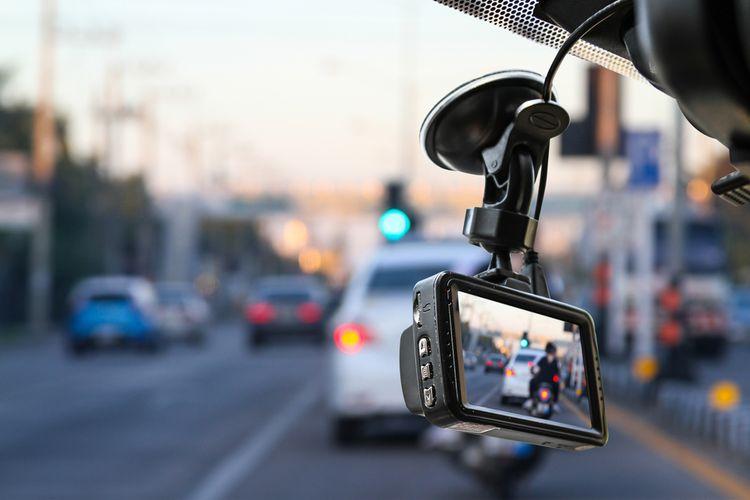 Kamera do auta na přední sklo
