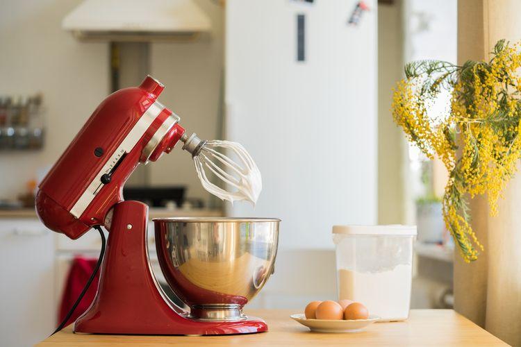 Červený kuchyňský robot