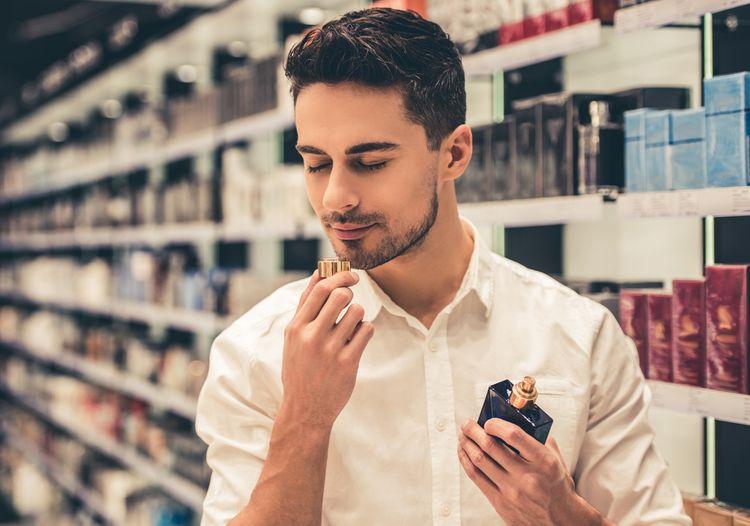 Výběr mužského parfému