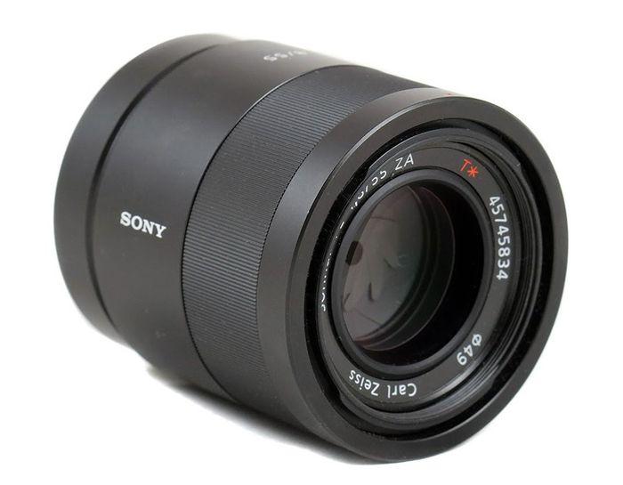 Sony FE Sonnar T* 55mm f/1.8 ZA recenze
