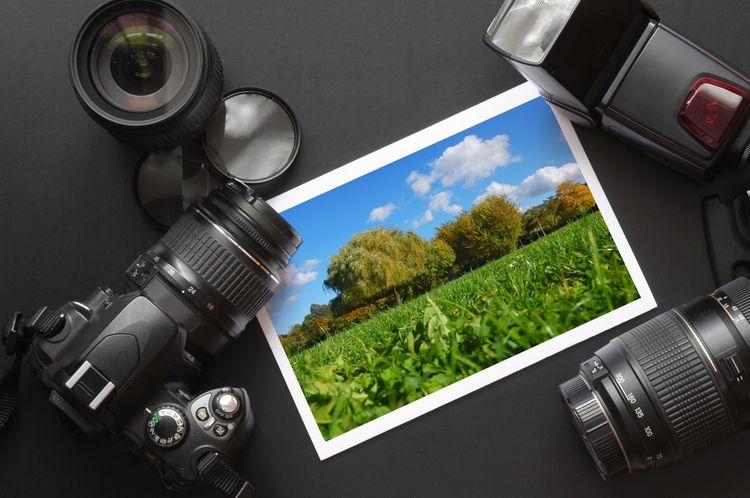 Fotografie vytvořená fotoaparátem se zoom objektivem