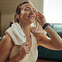 Jak pečovat o bezdrátová bluetooth sluchátka, herní sluchátka s mikrofonem, sluchátka do uší
